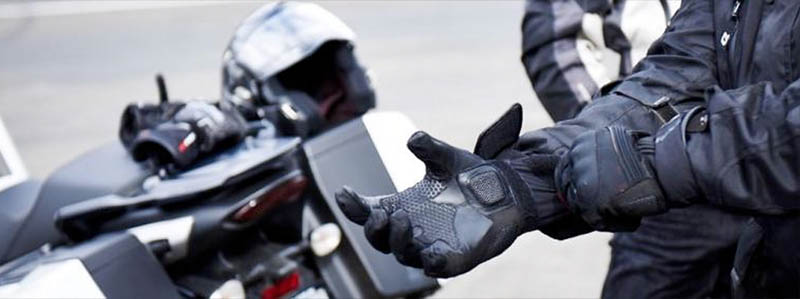 guantes y sistemas de protección moto